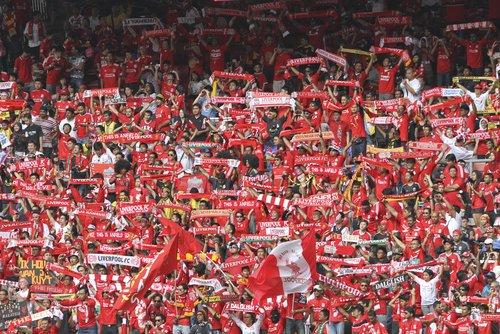 Seger för Liverpool, Hemmavinst för Spurs och Edström kickas