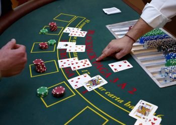 Pokerin alkuperästä on erilaisia teorioita
