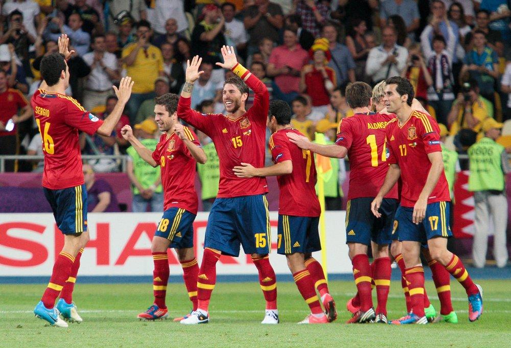 Spanien sparkar förbundskaptenen