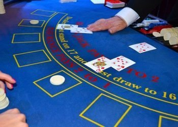 What You Need To Know Before Blowing Your Money At The Blackjack Table